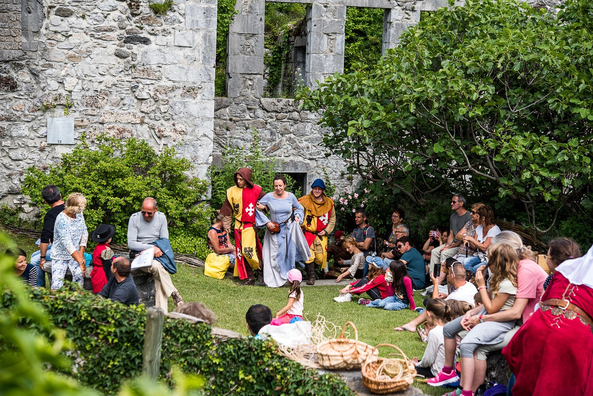 Animations de la compagnie médiévale La Lir au château de Miolans